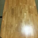 折りたたみのテーブル