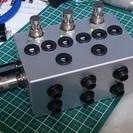 エフェクターパワーサプライ(9V安定供給6~8個)