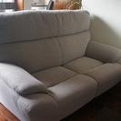 ソファを譲ります。
