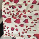 ポップでサイケデリックなハート柄ジャカード織カーテン(2枚組)