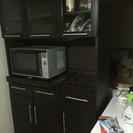 in The Room 茶色の食器棚