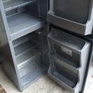 古いですが、冷蔵庫使えます。お掃除済み