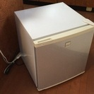 ★ 色々な用途に使える★ ワンドア小型冷蔵庫♫