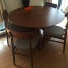 円形のダイニングテーブル 4脚セット