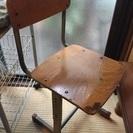 ナチュラルインテリアに☆小学校の椅子