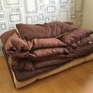 羽根布団、枕、敷布団のセット