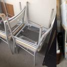 ダイニングテーブルと椅子4脚