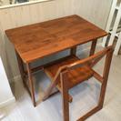 (商談中)☆美品 シンプルな机と椅子のセット 折りたたみできます☆