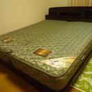 シーリー製マット付きベッド(クイーンサイズ)