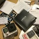 GoPro HERO4シルバーほぼ新品。別売りの持ち手付きですぐに...