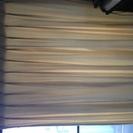 ベージュのカーテン