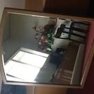 木枠上部アーチの大きな鏡