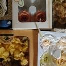 プリザーブドフラワーの花やリボンなどの材料全て