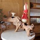 大理石と木の根の置物
