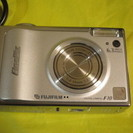 富士フィルム デジタルカメラ FinePix F10