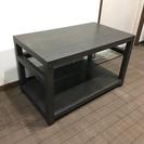 重厚なサイドテーブル