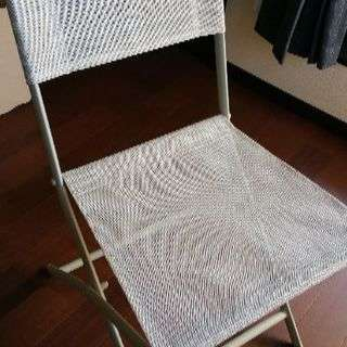 折り畳み椅子 2脚 各500円