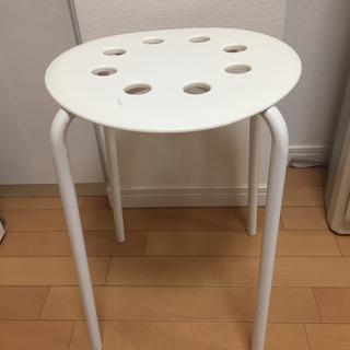 IKEAの丸椅子 15脚