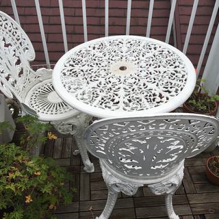 ガーデンテーブル、チェアー(2脚)