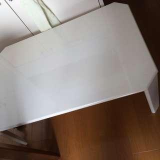 折り畳みテーブル差し上げます