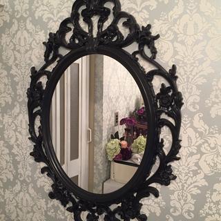 アンティークな可愛い鏡