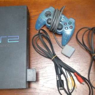 PS2 プレステ2+ソフト2本(ペルソナ4、パーティー右脳クイズ)