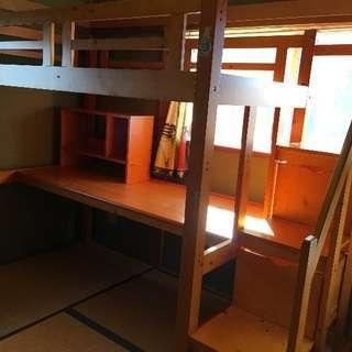 ベッド机一体型