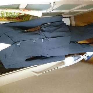 STRAWBERRY-FIELDSのベルト付ボタンスーツ