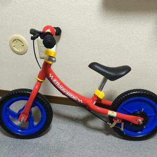 【取引中】  西松屋 エンジョイライド 足けりバイク
