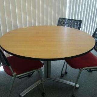 (商談中)オフィス ミーティングテーブル(椅子3脚付き)