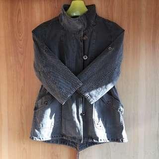 秋から冬にぴったり ジーンズ生地のジャケット