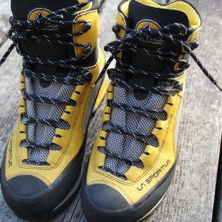 登山靴(中古極美品)値下げしました