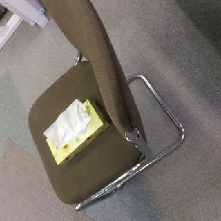 待合室なんかにある椅子