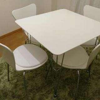 【10/29、30限定】テーブルと椅子