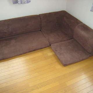 ソファーを差し上げます