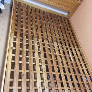ダブルベットフレーム(木製)組み立て式 出品いたします。