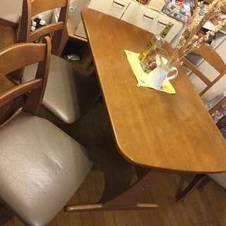 ダイニングテーブル、椅子4脚