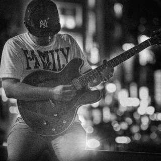 耳とセンスを磨く画期的ギターレッスン
