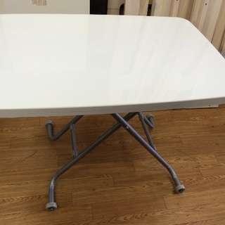 白いセンターテーブル 売ります