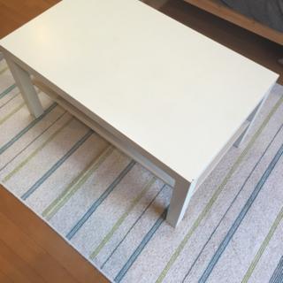 IKEAテーブル