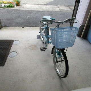 小学生女児用自転車あります。