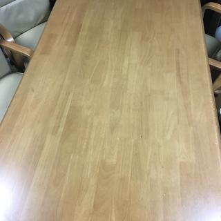 テーブル1台、椅子6脚