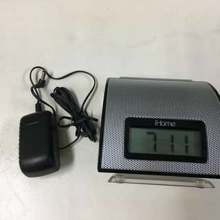 目覚まし機能付き ipod用スピーカー iHome iH11 (D...