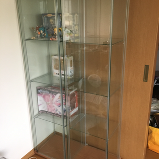 IKEA デトルフ ガラスショーケース