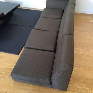 モスグリーンのソファ(3人掛け) / Couch 3 separa...