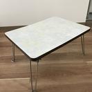 小さめテーブル