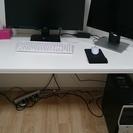 仕事用デスクと椅子