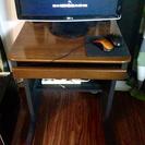 パソコンテーブル譲ります