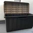 屋外用ストッカー(蓋付き収納、物置、ゴミ箱にも)