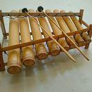 バリ島の伝統的な楽器 ガムラン 竹のガムランです